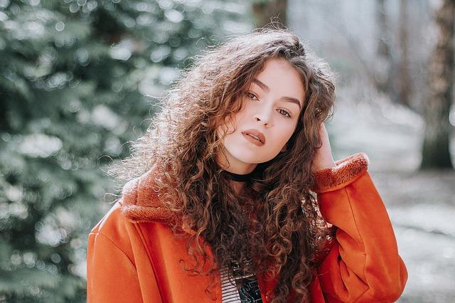 Lokówka do włosów – modelowanie włosów